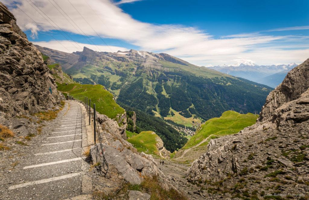 Descente de la Gemmi vers Loeche les bains (Suisse)