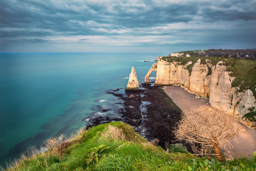 Etretat à marée descendante (France)