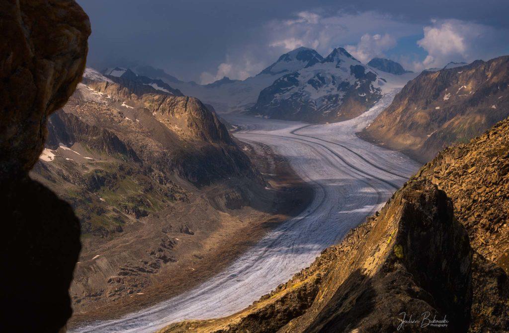 Vue cachée sur le glacier d'Aletsch (Suisse)