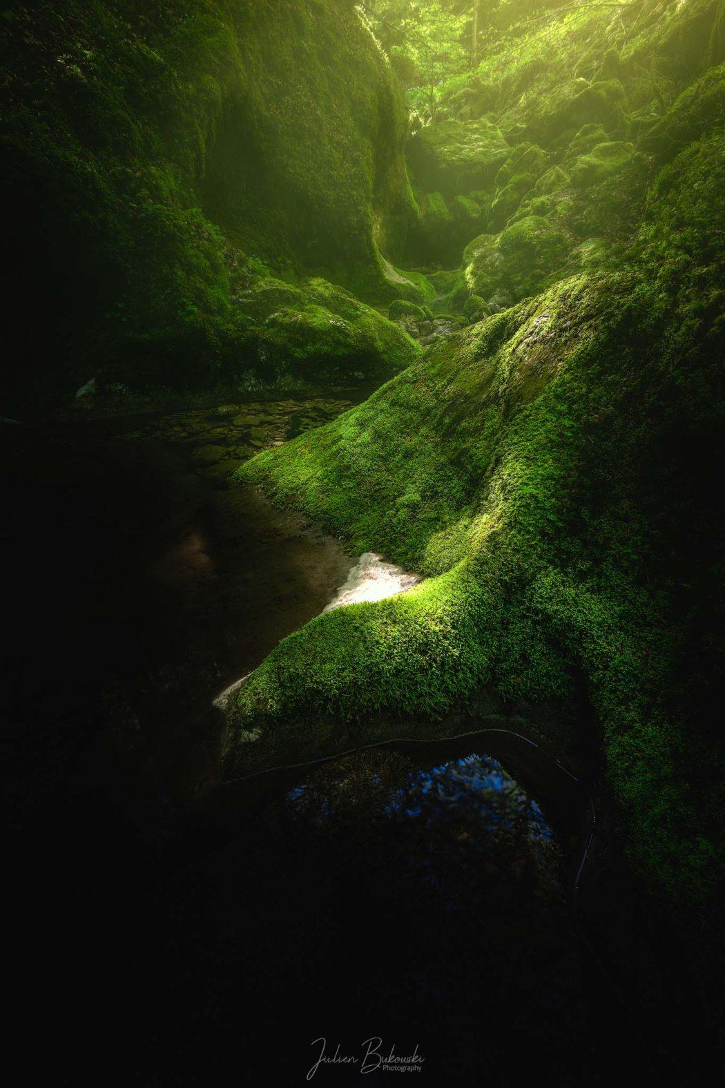 small light for the river (Gorges de la Poeta Raisse - Suisse)
