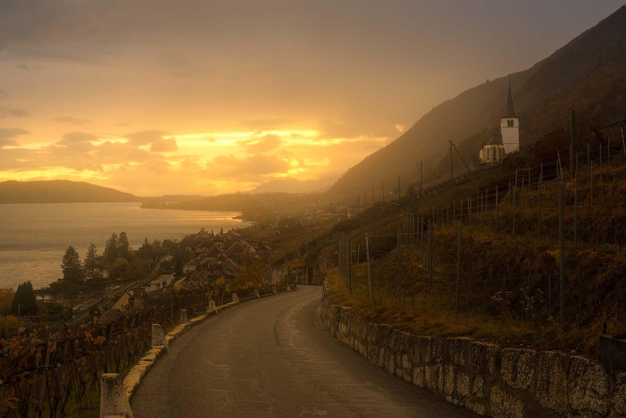 coucher de soleil-Ligerz-Gleresse-route-zigzag-Suisse-Switzerland-Orton effect-Lac de Bienne-Eglise-Eglise Ligerz-heure dorée