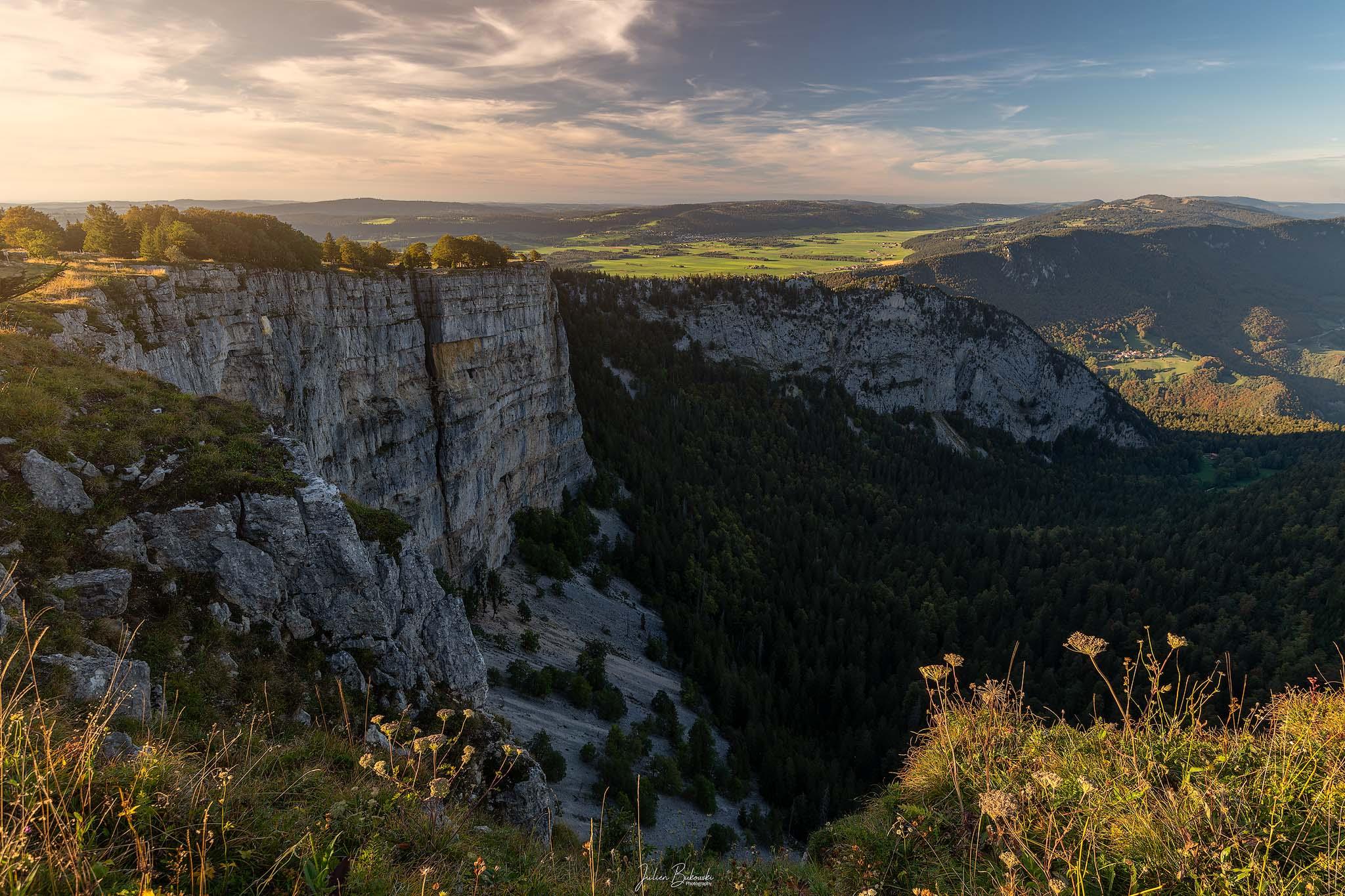Neuchâtel Mountain-Suisse-Switzerland-Creux du Van-Neuchâtel montagne-Falaise-Jura-Neuchâtel-Julien Bukowski-Workshops photo