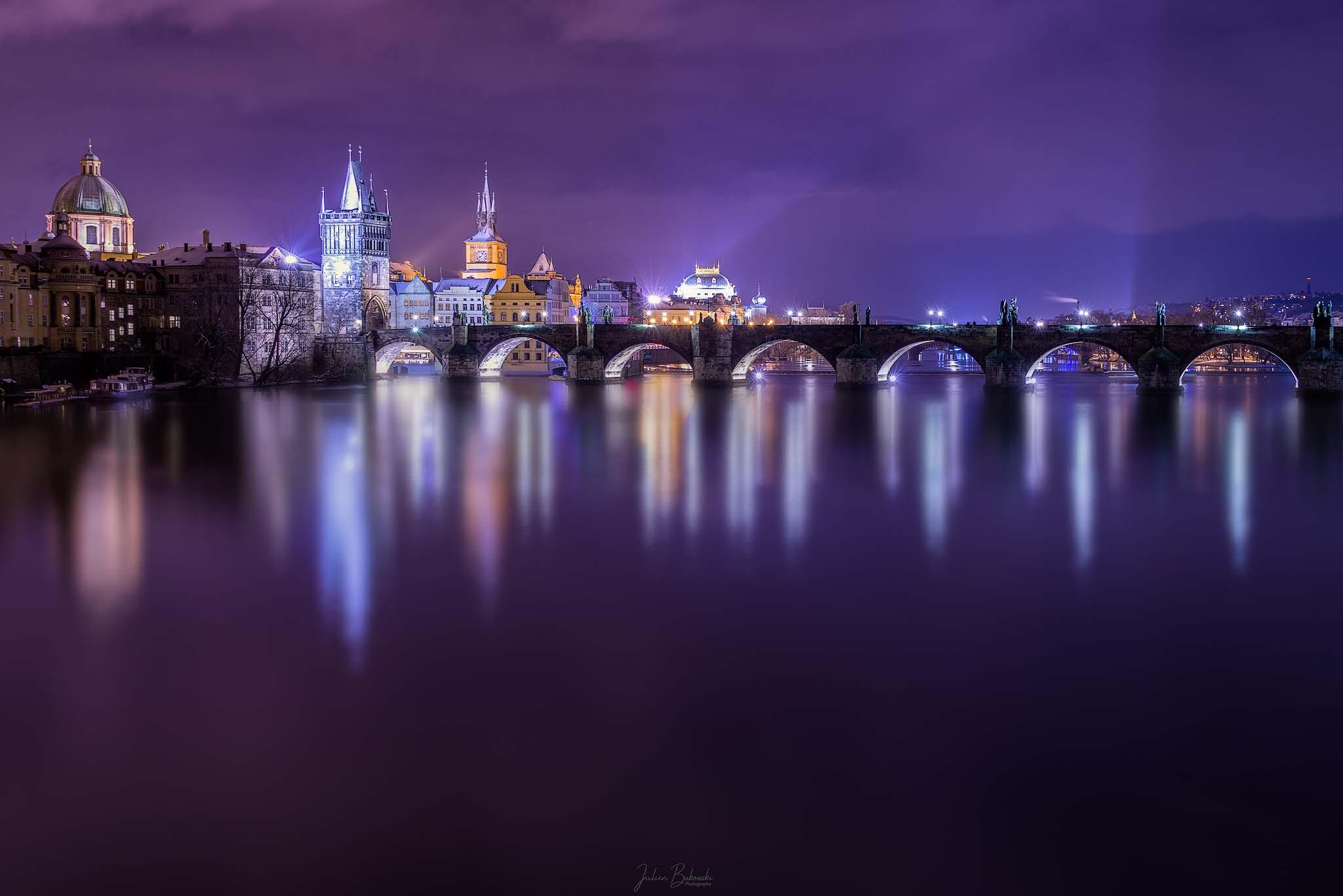 Karluv Most-Praha-Prague-Night-Pont-bridge-nuit-Vltava-Tchèquie-République tchèque-czech-rivière-pose longue-nikon d800