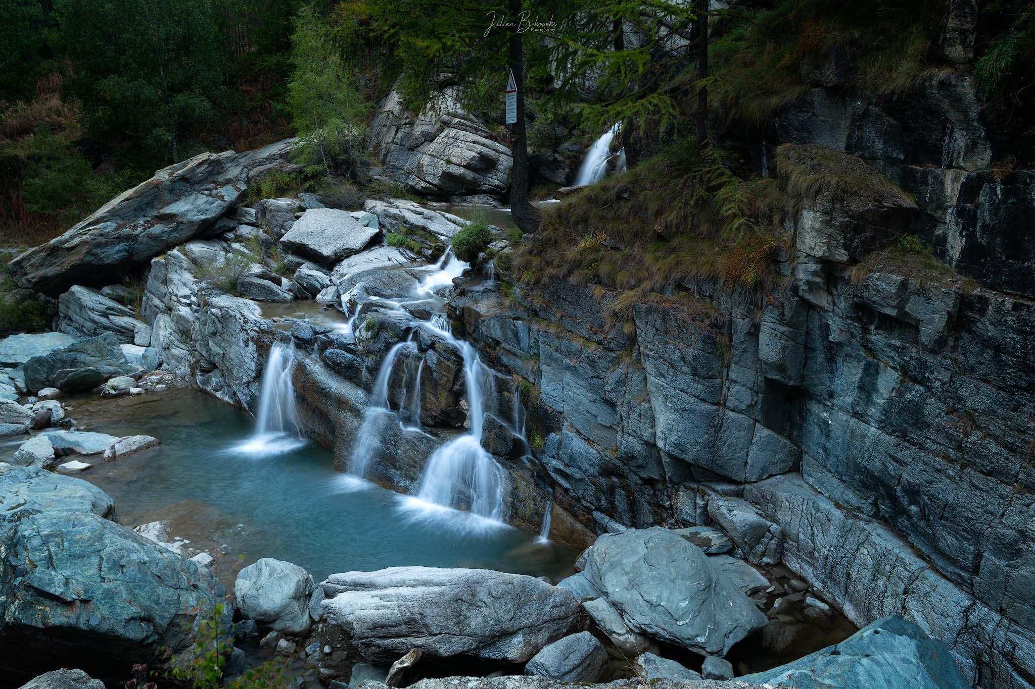 Triplette-Cascades de Lillaz-Italie-Val de Cogne-cascade-Lillaz-Cogne-Italy-Italia-pose longue-long exposure-Julien Bukowski