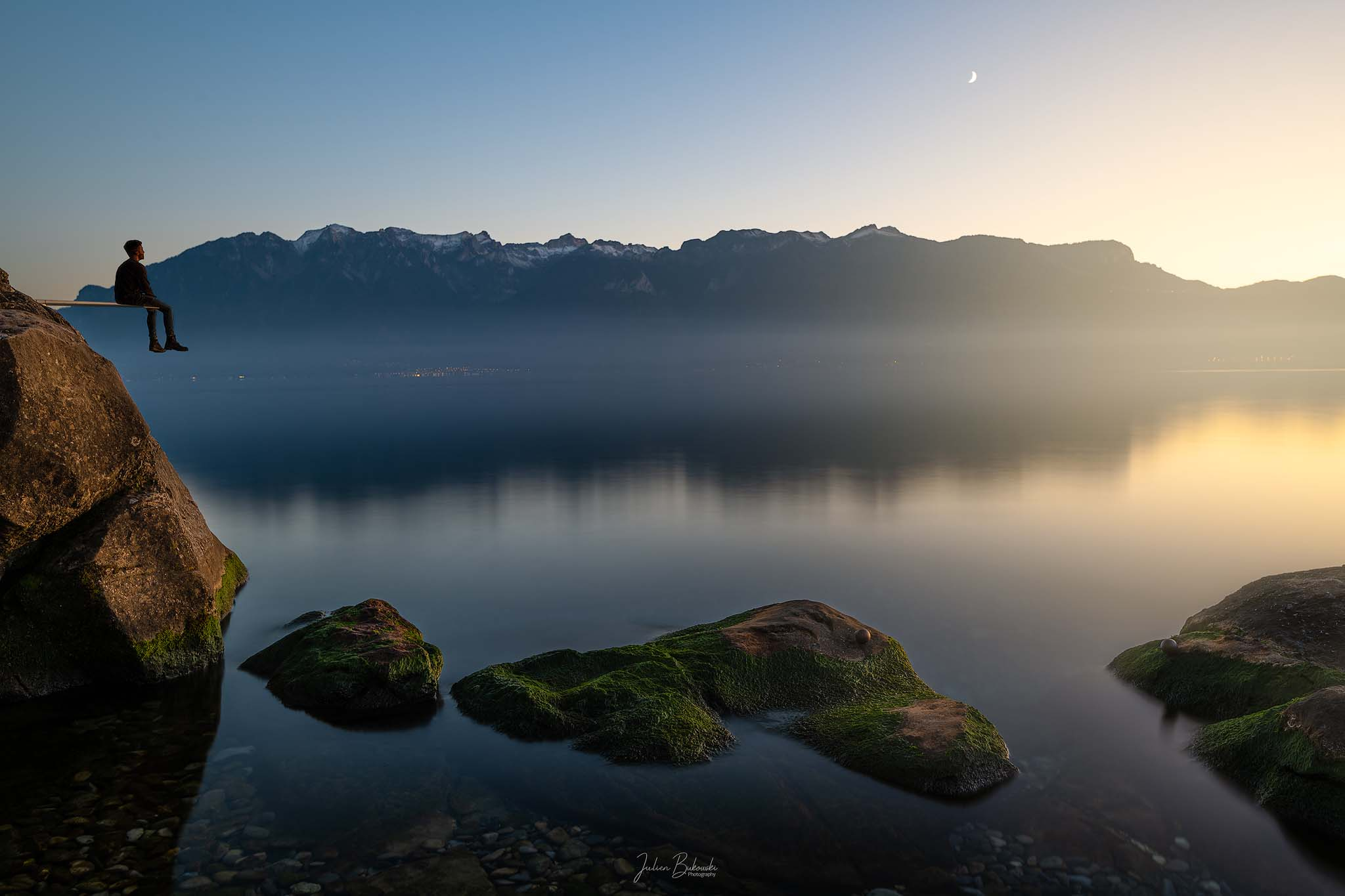 Contemplation-St Saphorin-Suisse-Lac Leman-Alpes-coucher du soleil-plongeoir-belle photo-Grammont-Julien Bukowski-minimalisme