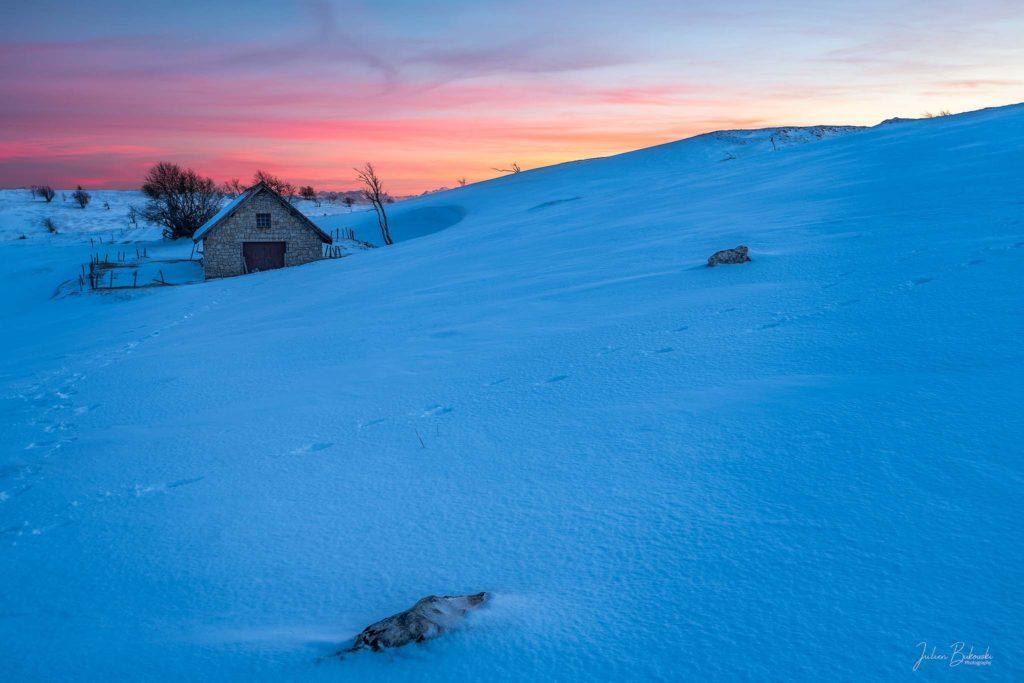 L'heure bleue au creux du Van (Suisse)